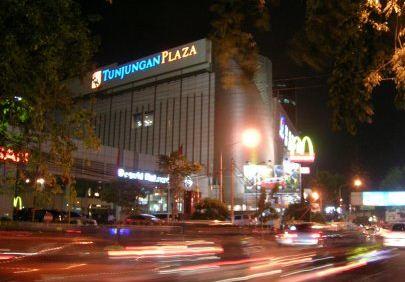 daftar hotel murah di surabaya dekat tunjungan plaza