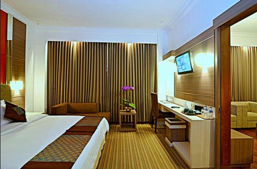 daftar hotel bintang 4 di Surabaya terbaik