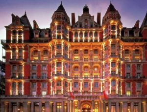 Hotel Mandarin Oriental, di Inggris