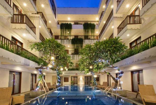 Sense Sunset Hotel Seminyak Bali Bagus dan Nyaman