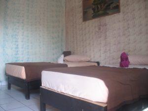 Lovina Central Hostel