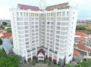 Grand Darmo Suites by Amithya Surabaya Bagus dan Nyaman
