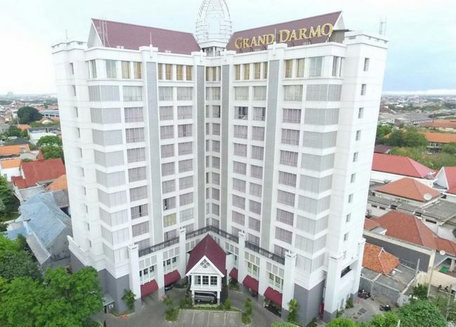 Grand Darmo Suites by Amithya Surabaya