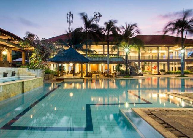 Plagoo Holiday Hotel Nusa Dua Bali