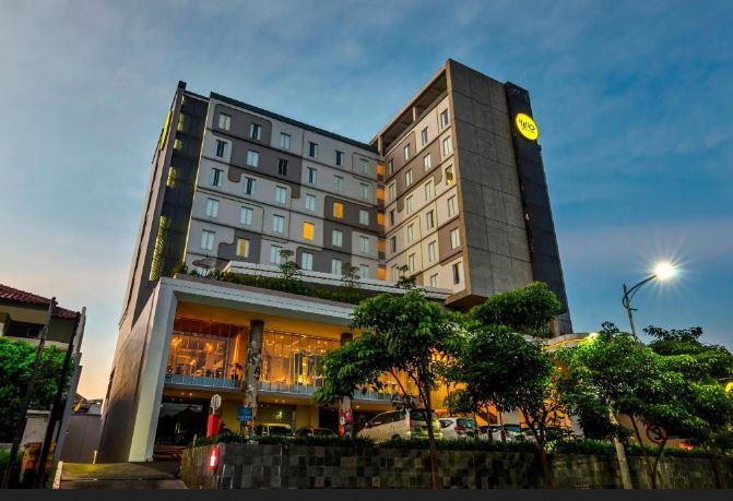 Yello Hotel Jemursari Surabaya