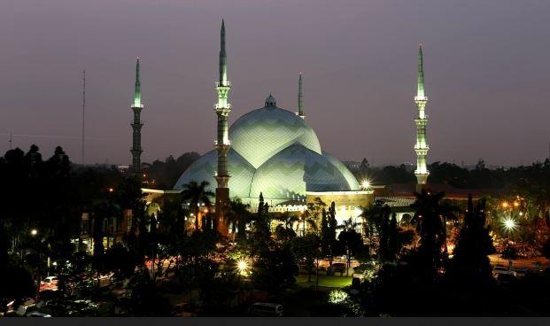 7 Hotel Terbaik dekat Masjid Al Azhom Tangerang Banten