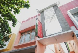 RedDoorz Plus near Plaza Ambarukmo