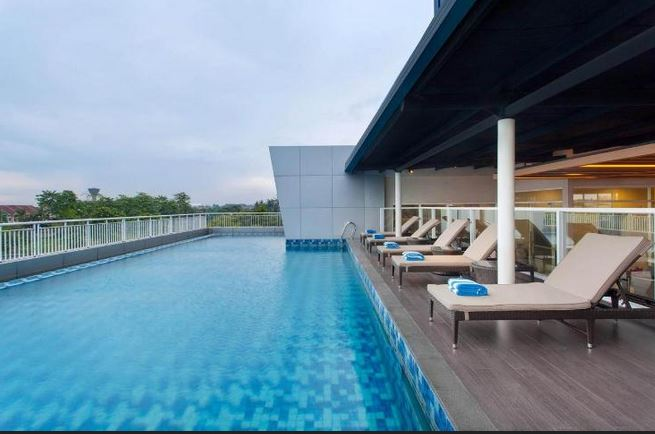 8 Hotel Murah di Tangerang yang Ada Kolam Renang