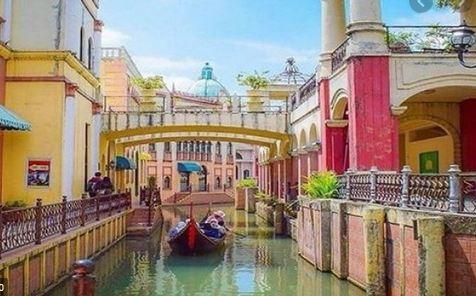 Foto dengan Latar Belakang Kota Venice