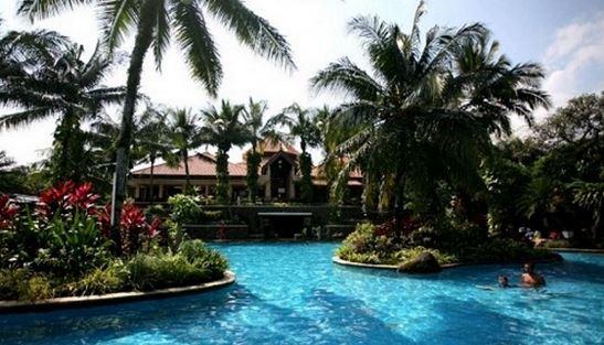 Kolam Renang Lake Side Bogor