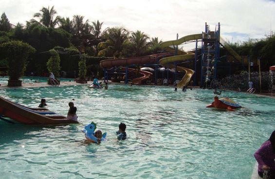 Yasmin Waterboom Sport Center