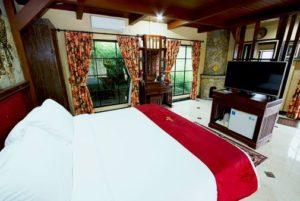 Edensor Hills Villa, Resort & Cafe