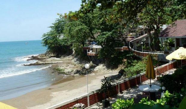 Bunga Ayu Seaside Resort