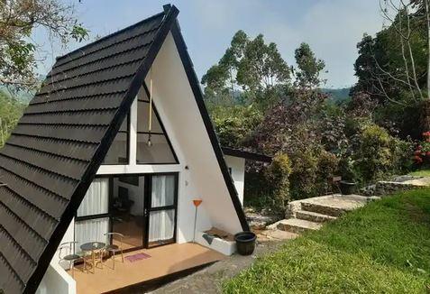 Triangle & Villa Marindu