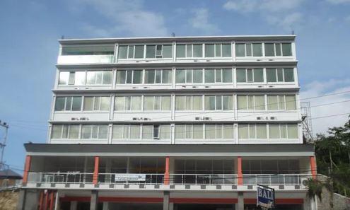 Hotel L Bajo